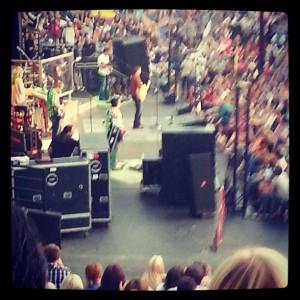 Josh Turner and the crowd